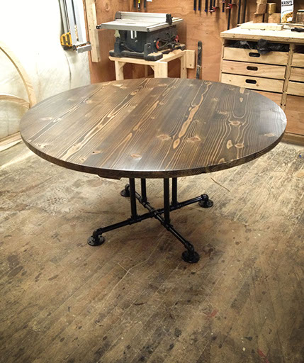 Industrial Round Dining Table: Kitchen & Dining Tables